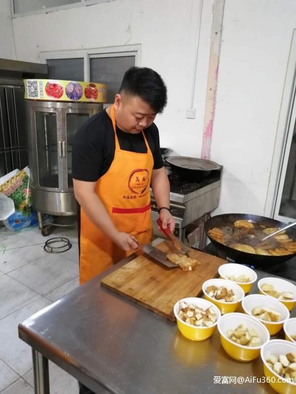 老北京卤煮火烧怎么做 卤煮火烧技术培训